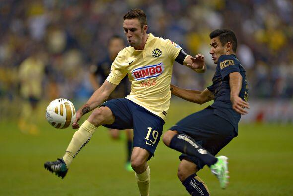 La media cancha debe de pesar más al frente, jugadores como Miguel Layún...