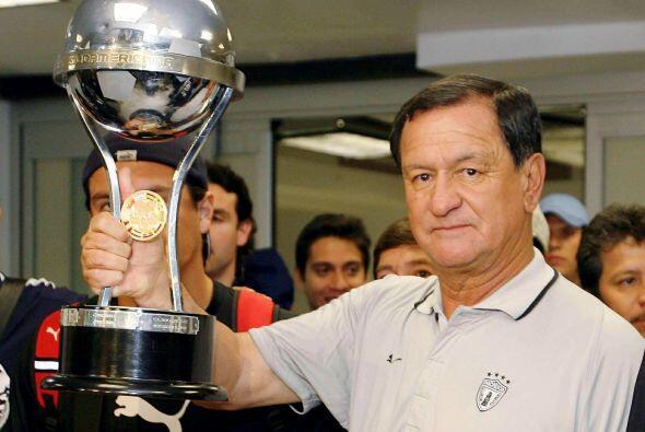 Tras estos logros el entrenador probó suerte nuevamente con el Cruz Azul...