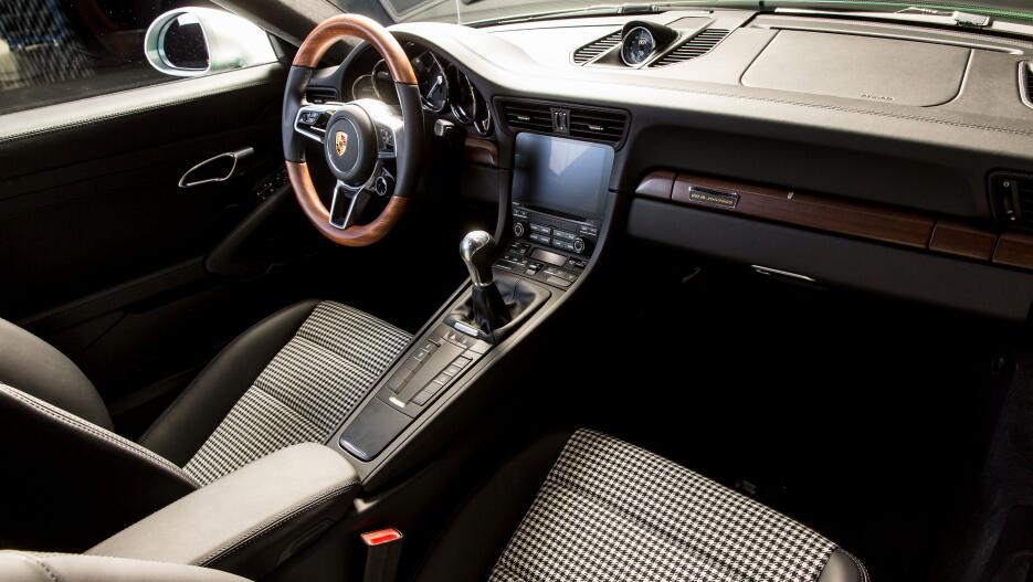 El Porsche 911 número un millón en fotos high_one_millionth_911_911_carr...