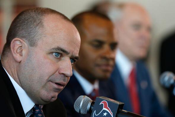 Bill O'Brien fue presentado oficialmente como el nuevo entrenador de los...