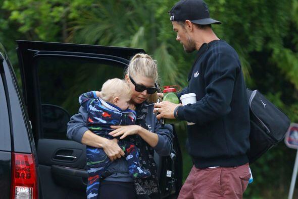 Un día muy relajado y en familia disfrutaron Fergie, Josh y su pequeño h...