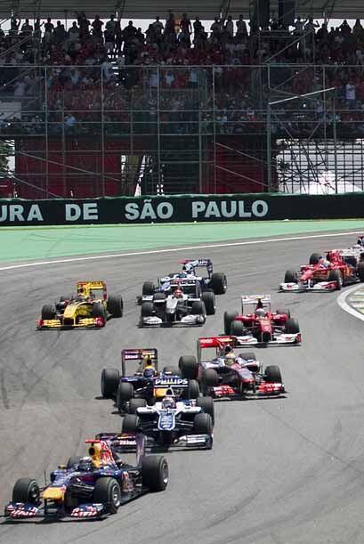 Vettel comenzó a ampliar su ventaja inmediatamente después...