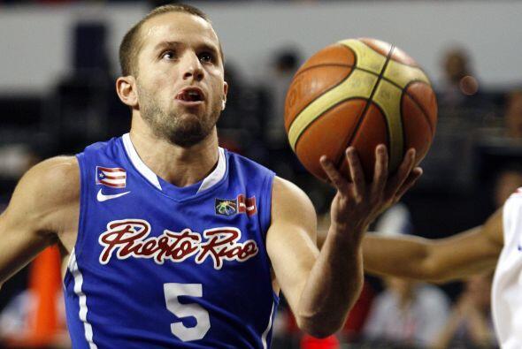 Juan José Barea es uno de los de la escuadra puertorriqueña de baloncesto.