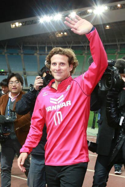 El internacional de 35 años de edad fichó con el equipo nipón en enero p...