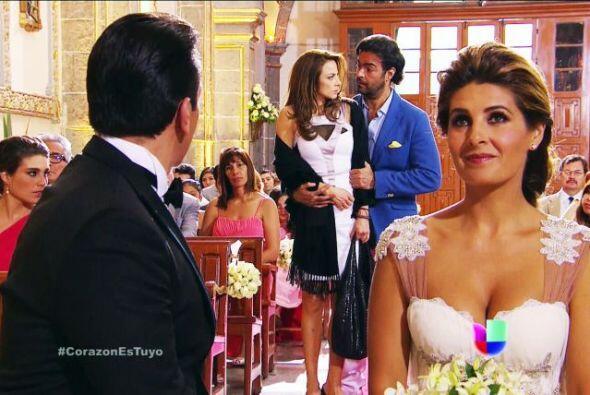 Ante tantas atenciones, Ana intentó abrirle su corazón y ser feliz a su...
