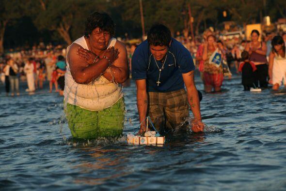 Los festejos para rendir homenaje a la diosa del mar Yemanjá, comienzan...