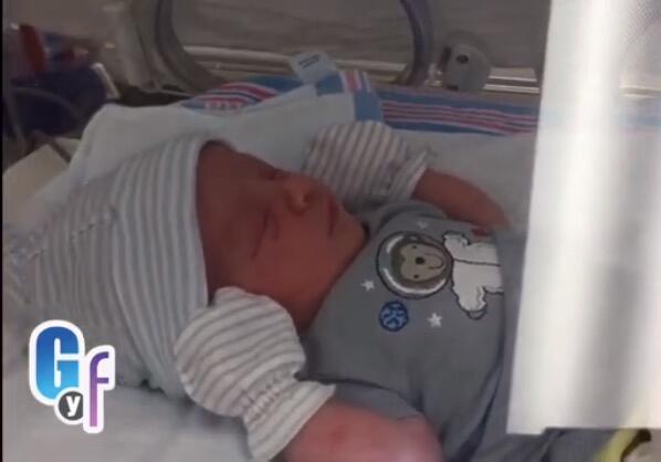 Exclusiva: Primeras imágenes del bebé de Carlitos 'El productor' carlito...