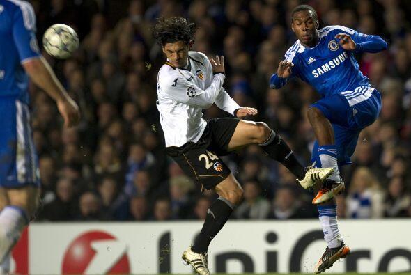 El Chelsea sacó de la Champions al Valencia con una goleada de 3 a 0.
