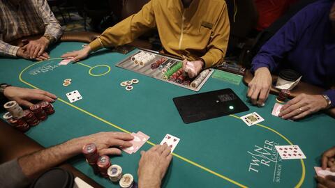 Juego de cartas en un casino de Las Vegas, Nevada
