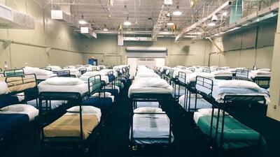 Así es por dentro el centro de detención de niños indocumentados en Homestead, Florida (fotos)