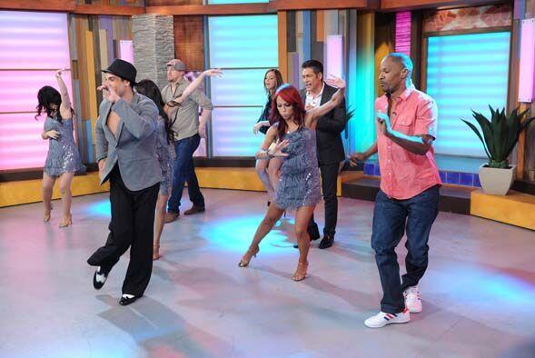 Primero comenzaron bailando la salsa de New York. ¡Cha-cha-cha!