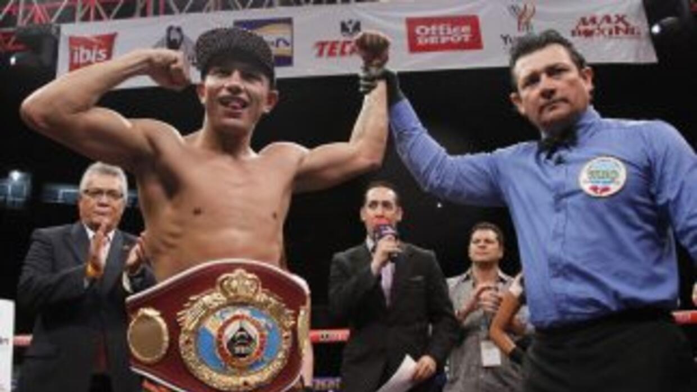 Berchelt derrotó a González (Foto: Zanfer).