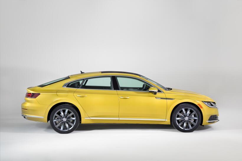 Con el nuevo Arteon 2019 Volkswagen reinventa el coupé de turismo 180204...