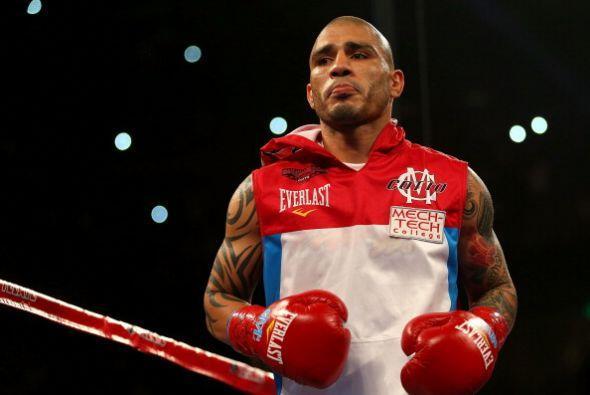 Miguel Cotto derrotó por nocaut técnico en tres rounds a D...