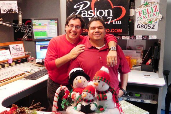 Seguro Cesar Osmar y Victor Cerda tienen un arreglo con Santa para que t...