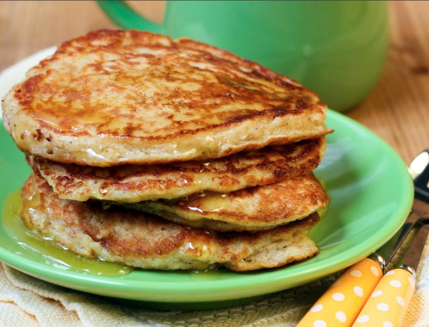 Para hacer estos pancakes dietéticos y aumentar su valor nutricional bas...