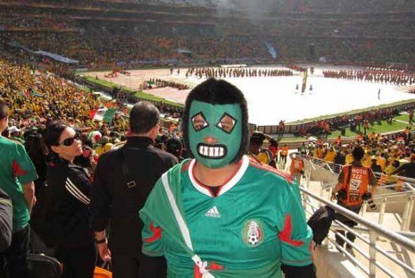 México llevó más de 15 mil aficionados para apoyar al Tri en su aventura...