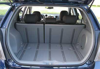 La capacidad de carga es bastante buena cuenta con un amplio baúl que se...
