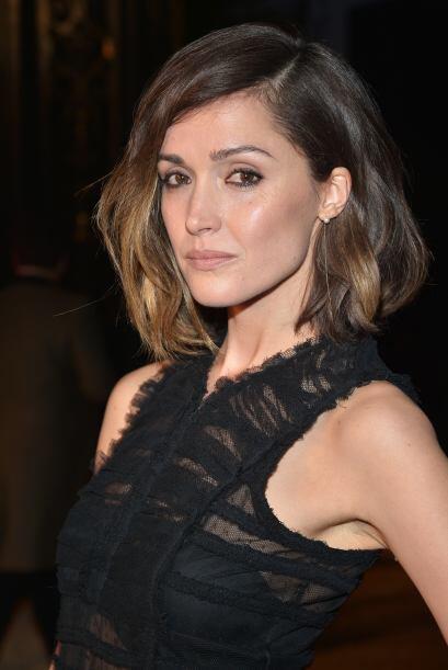 Es sofisticado y femenino, además,  te permitirá llevar un cabello suelt...