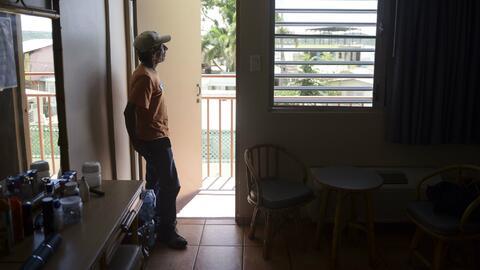 Miles de puertorriqueños que perdieron sus viviendas están...