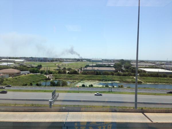 Se incendia tienda de autopartes en Austin