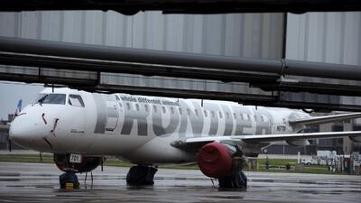 El CDC alerta a pasajeros que viajaron en vuelo de Frontier Airlines