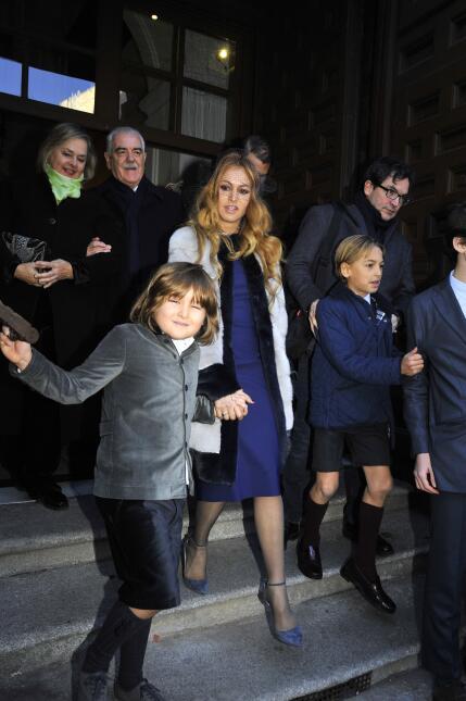 Paulina Rubio se mantuvo pendiente en todo momento a sus hijos. En la fo...