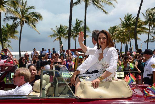 El desfile reunió a más de 80,000 personas en Miami Beach. Mira aquí los...