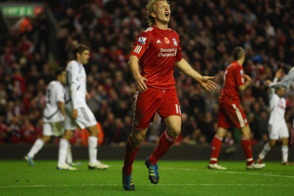 Su cabezazo ingresó pero el árbitro anuló la jugada. Liverpool terminó e...