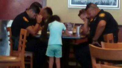 El momento ocurrió en un restaurante de San Antonio.