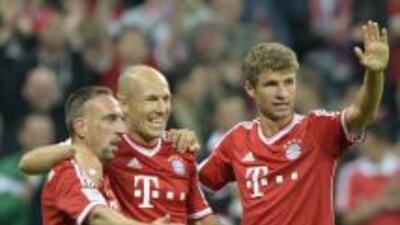 Ribery Robben y Muller celebran el segundo gol del Bayern.