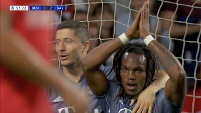 Brillante asistencia de James Rodríguez que le permite a Renato Sanches anotar para Bayern