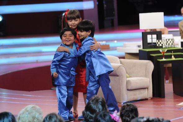 Telesa logra convencer a Rogelio de que Miguel Ángel es su hijo por lo c...