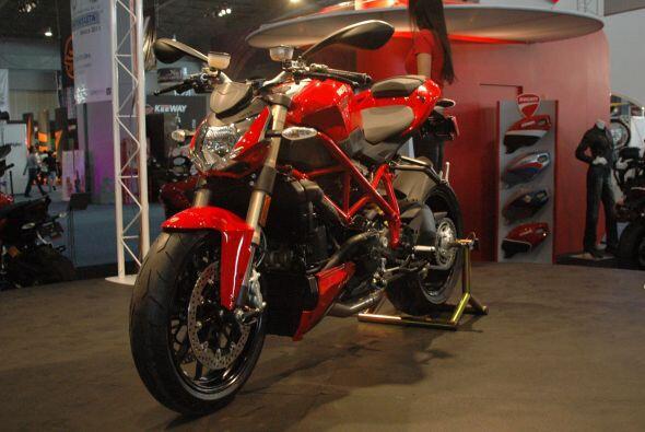 El diseño delicado y deportivo es una constante en las motocicletas de D...