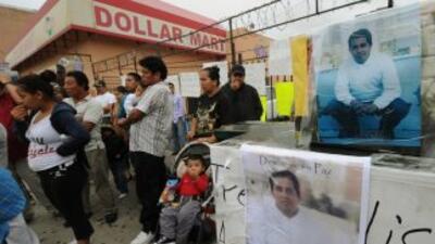 Familiares del inmigrante guatemalteco muerto a balazos por la policía e...