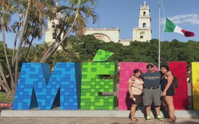 Familia denuncia que perdió un vuelo de conexión en México por cambios h...