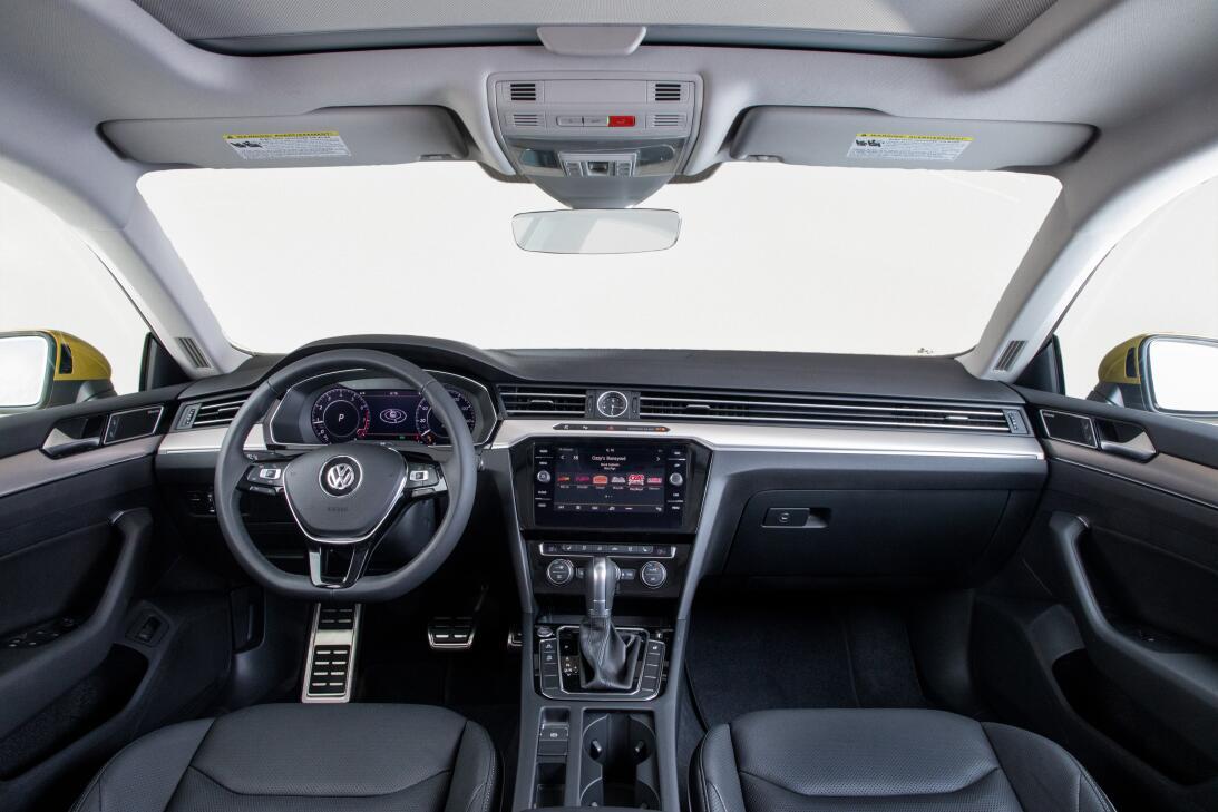 Este es el nuevo Volkswagen Arteon 2019 en imágenes 180204-vw-arteon-295...