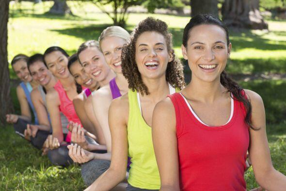 Puedes buscarlas en el sitio de Laughter Yoga, para checar si hay alguna...