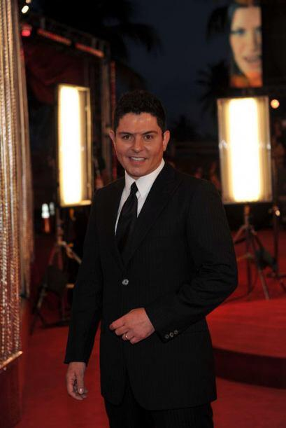 Ernesto Laguardia, muy elegante en esta alfombra.