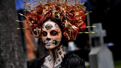Así se vivió el Día de Muertos en el panteón de Hollywood