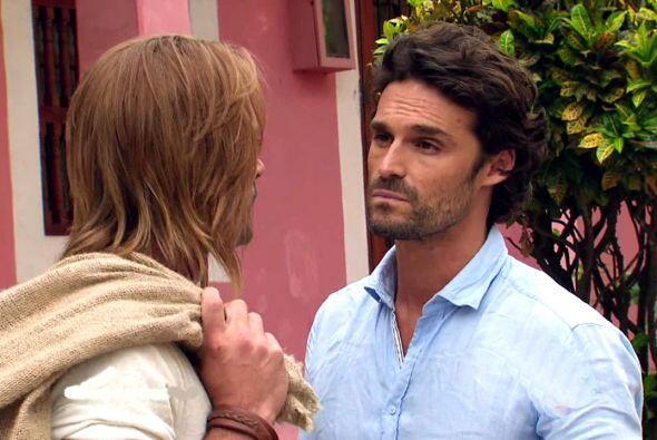 Pero la verdad es que estos dos, aunque en la telenovela no se soportan,...