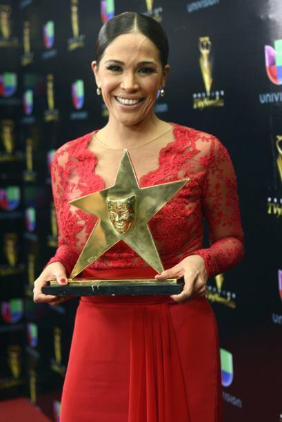 Karla Martíne fue reconocida por su trayectoria en Univision.