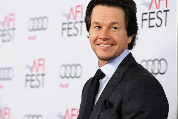 Mark Wahlbergh también alinea en el selecto club de millonarios.