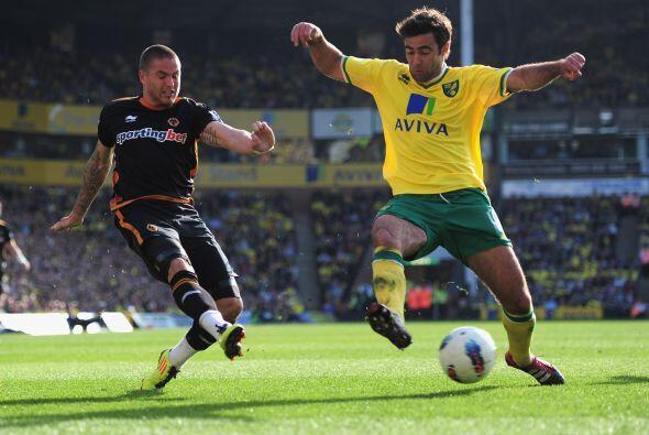 Nowrich venció con lo justo, 2 a 1, al Wolverhampton.