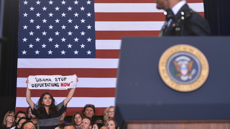 Reclaman a Obama parar las deportaciones, en un acto en Chicago