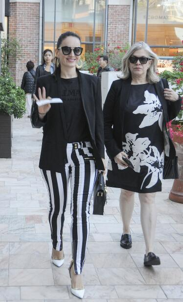 La actriz y su mamá, Nena, lucieron bellas y coordinadas de compr...