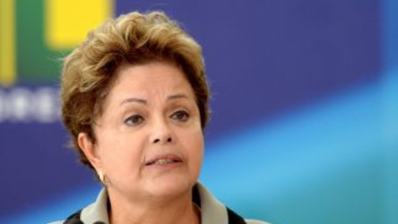 Rousseff pidió que los brasileños colaboren en una buena recepción de lo...