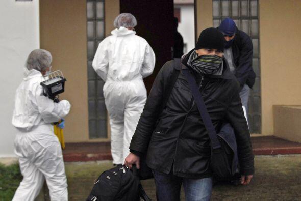 El grupo separatista vasco ETA anunció un cese al fuego permanente y ver...