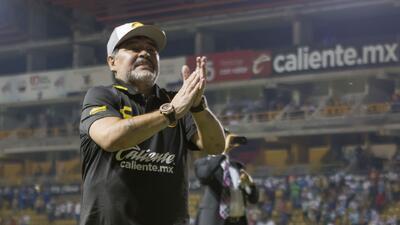 ¡Baila Diego! Maradona festeja con toda la actitud el pase a Liguilla