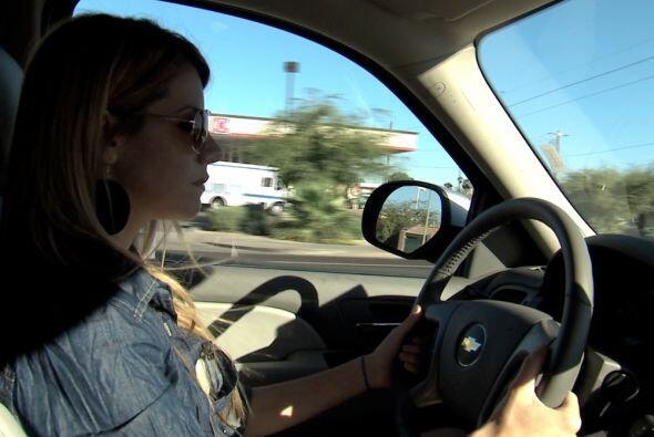 Seguimos al vehículo por las calles de Phoenix.